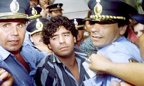 «Ντιέγκο έχεις χαθεί; Πόσο πήρες;»: Η μέρα που ακόμα και οι αστυνομικοί σοκαρίστηκαν απ' την εικόνα του Μαραντόνα