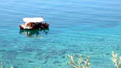 Η πιο ζεστή παραλία της Ελλάδας είναι μια ανάσα απ' την Αθήνα (Pics)
