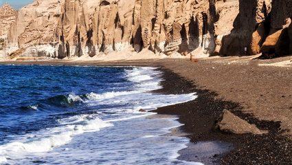 Η πιο εξωπραγματική παραλία της Ελλάδας: Θυμίζει σκηνικό του πλανήτη Άρη! (Pics)