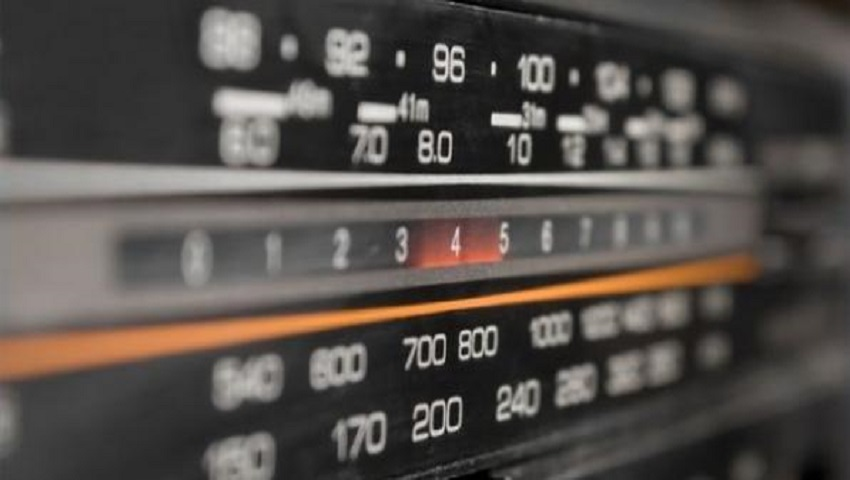 Τυφλοπόντικας των fm: Ο cult ραδιοφωνικός σταθμός που τρέλανε την Αθήνα στα 80s