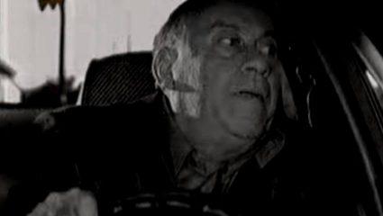 «Καλοί μου άνθρωποι είδατε τι έπαθα;»: Το σπάνιο διαφημιστικό του Θανάση Βέγγου μετά το ατύχημά του με το αμάξι (Vid)