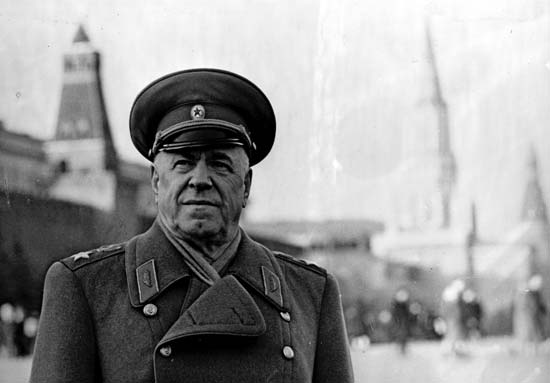 Όταν η Coca Cola έγινε λευκή: Το κρυφό σχέδιο των Σοβιετικών για την παραγωγή της «White Cola»
