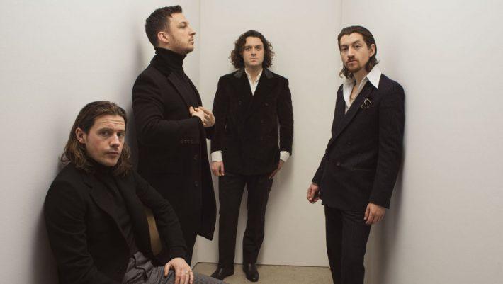 Arctic Monkeys: 13 πράγματα που δεν ήξερες για την κορυφαία μπάντα