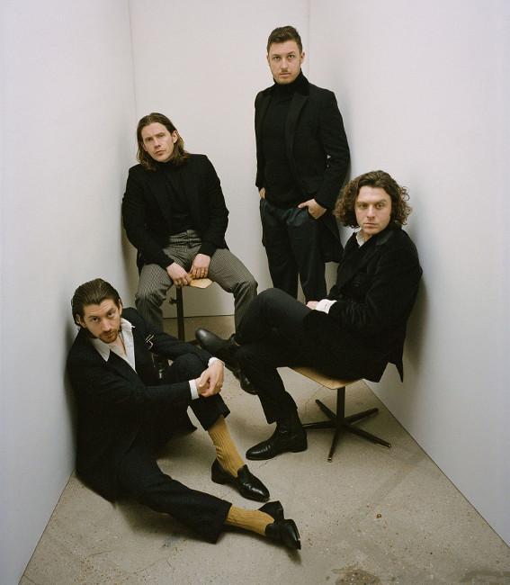 Arctic Monkeys: 13 πράγματα που δεν ήξερες για την κορυφαία ροκ μπάντα