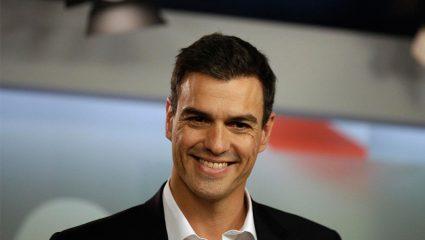 Αποκλειστικές φωτογραφίες: Η μυθική υποδοχή του νέου πρωθυπουργού της Ισπανίας Πέδρο Σάντσεθ από… τις Ελληνίδες!