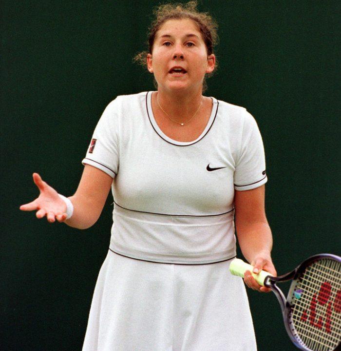 Με μια λεπίδα 9 ιντσών: Η μαχαιριά που οδήγησε το κορίτσι-θαύμα του τένις στην ψυχογενή βουλιμία