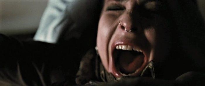 Οι hardcore σκηνές που λογοκρίθηκαν: 5 κινηματογραφικοί βιασμοί που ελάχιστοι άντεξαν να παρακολουθήσουν (Pics & Vids)