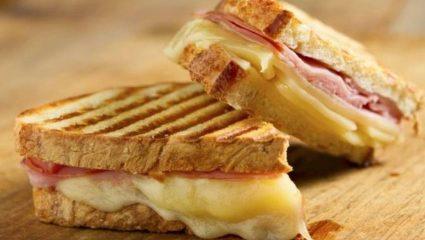 5 φαγητά που είναι ανεξήγητα πιο νόστιμα όταν τα τρως με συγκεκριμένο τρόπο