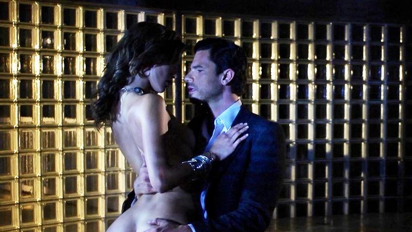 5 Έλληνες ηθοποιοί στο Χόλιγουντ: Οι αισθησιακές σκηνές που δίχασαν το κοινό (Pics & Vids)