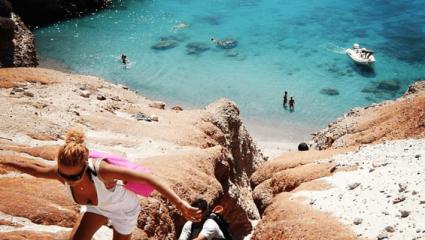 Μόνο για τολμηρούς: Στην ωραιότερη παραλία της Ελλάδας πας με δική σου ευθύνη (Pics)