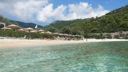 Ένα με τη φύση: Το νησί που επιλέγουν όσοι ξέρουν να κάνουν πραγματικές διακοπές (Pics)