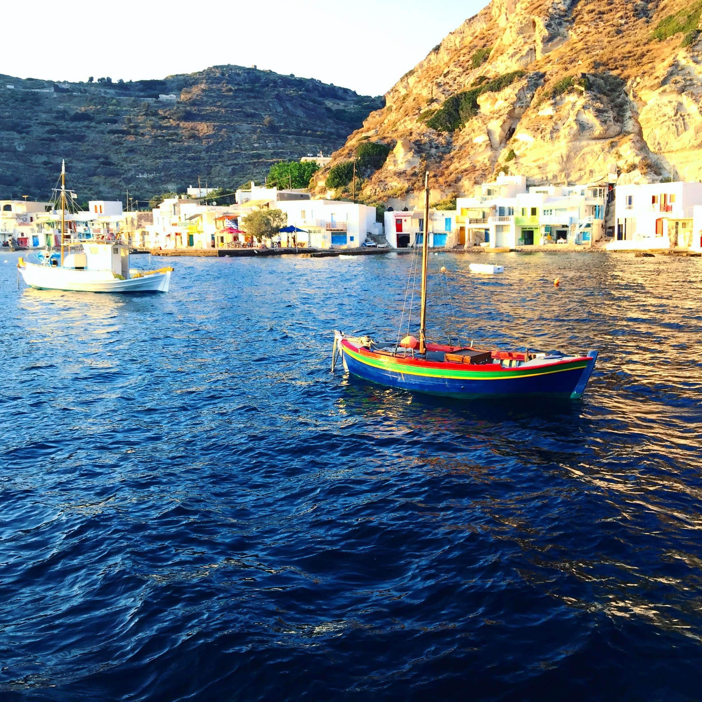 Άγρια ομορφιά: Το νησί με τις καλύτερες ανοργάνωτες παραλίες στην Ελλάδα (pics)