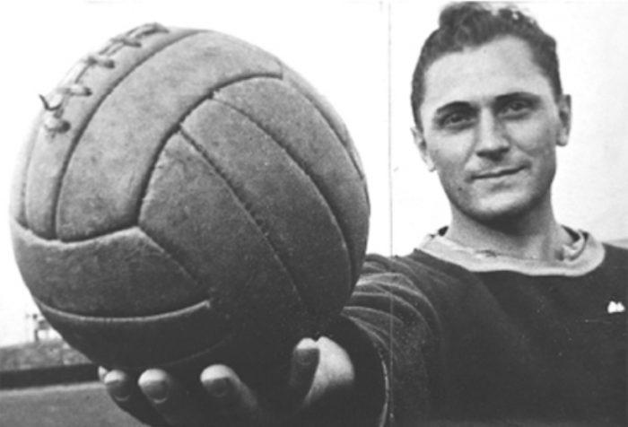 Ο πιο πλήρης επιθετικός όλων των εποχών: Έβαλε περισσότερα γκολ από τον Πελέ, αλλά δεν τον ξέρει κανείς