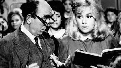 Τι διαφορετικό έχει η Αλίκη; Το εξόφθαλμο σκηνοθετικό λάθος στα «Χτυποκάρδια στο θρανίο» που δεν πρόσεξε κανείς (Pic)