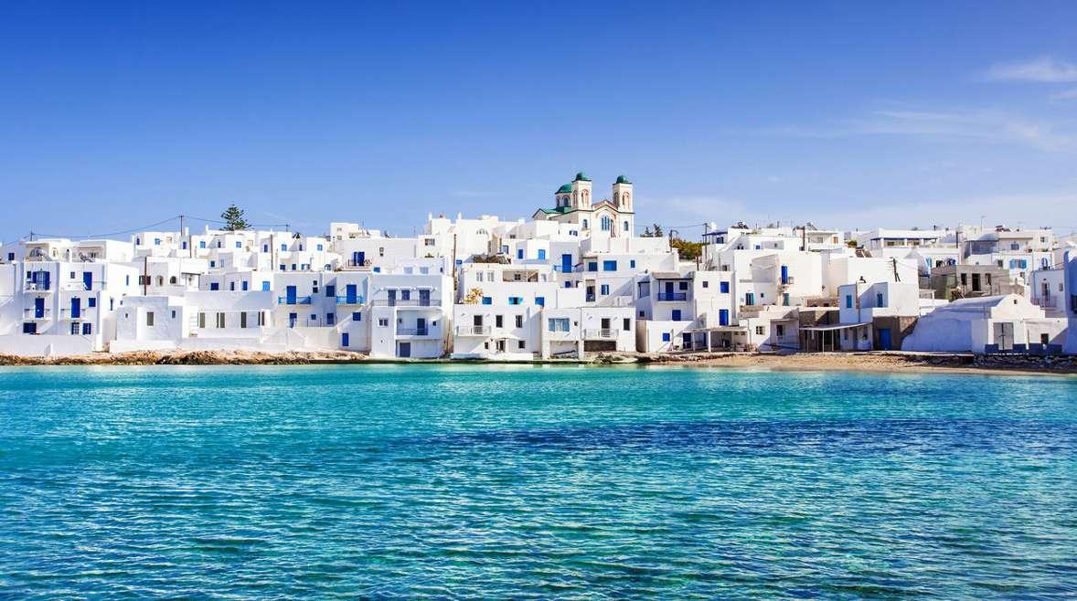 Το ελληνικό νησί που δίνει σε 6 μήνες ετήσιο εισόδημα αστικής τάξης