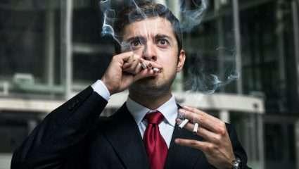 Ναι, εγώ θα σου πω αν, πού και πότε θα καπνίσεις