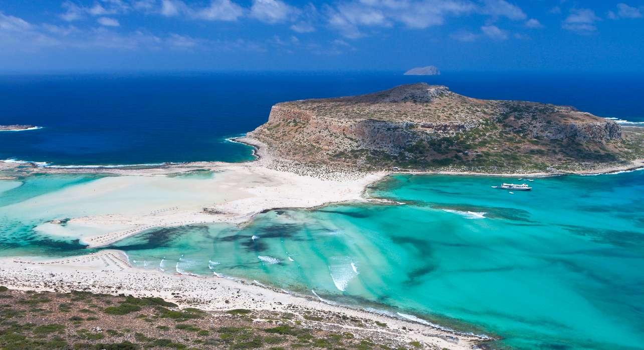 5 παραλίες που αλλοιώθηκαν από την αθρόα προσέλευση