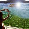 Όλες εκεί φέτος: Το ελληνικό νησί που έχει βουλιάξει από γυναίκες (Pics)