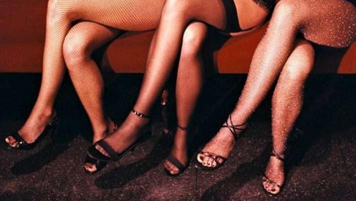 Νεαρά κορίτσια που αναζητούν το σεξπιπίλισμα μεγάλο καβλί για cum