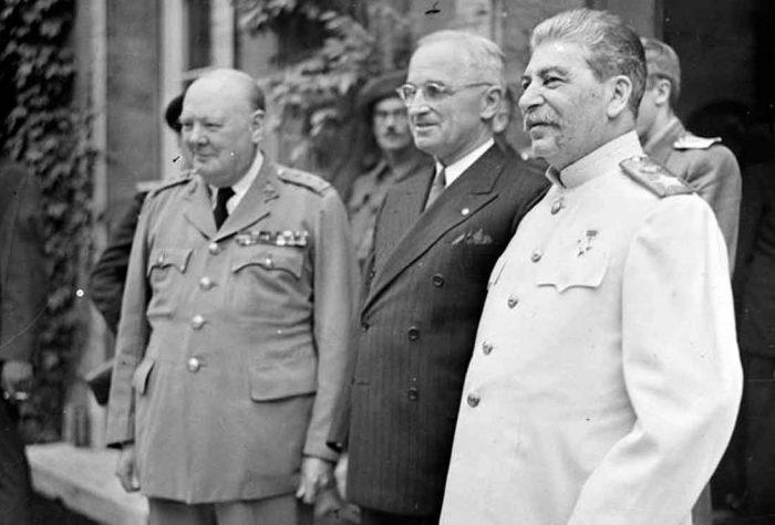 Το πείραμα του Στάλιν: Η εκπαίδευση του «νεκρού» σωσία του που ήταν 25 ετών και έπρεπε να δείχνει 65