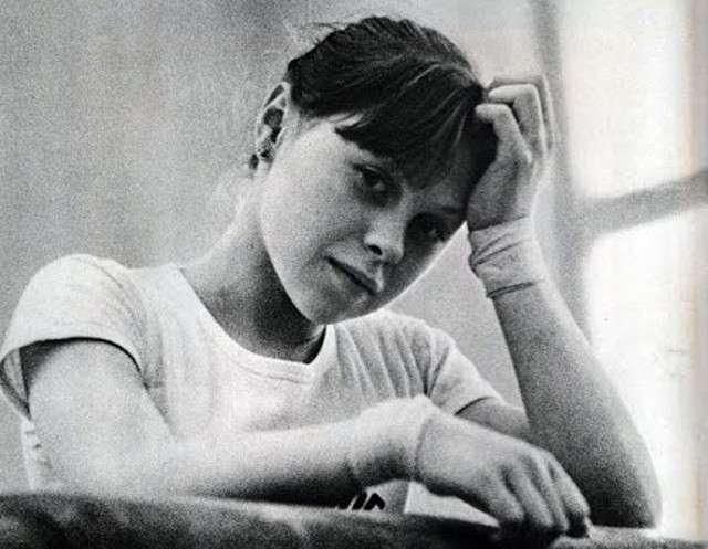 Το κορίτσι - «θαύμα» που εκθρόνισε την Κομανέτσι και θυσιάστηκε σαν πειραματόζωο