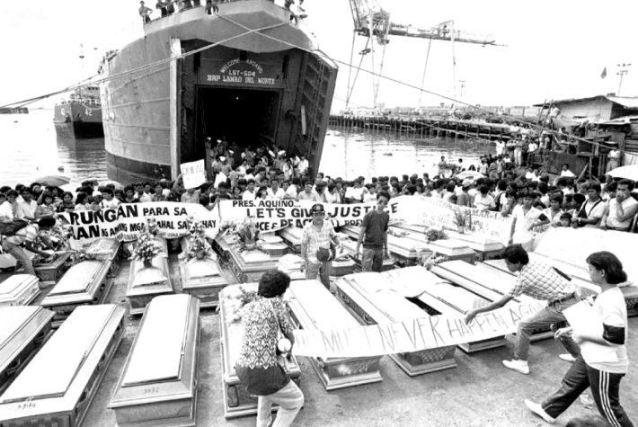 4.375 νεκροί από φωτιά και καρχαρίες: Το ναυάγιο που ξεπέρασε σε φρίκη τον Τιτανικό έπρεπε να μείνει κρυφό για πάντα (Pics)