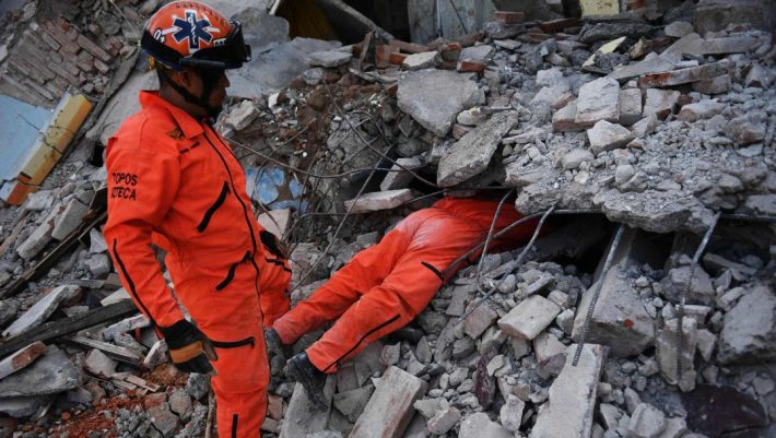 Los Topos: Η ειδική ομάδα διάσωσης που διαλύει κάθε στερεότυπο, διδάσκοντας αυταπάρνηση