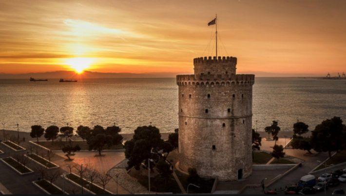 Καθηγητής Στανόπουλος: Ο διακεκριμένος εντατικολόγος καταρρίπτει με απλά λόγια τον μύθο των κρουσμάτων στην Θεσσαλονίκη