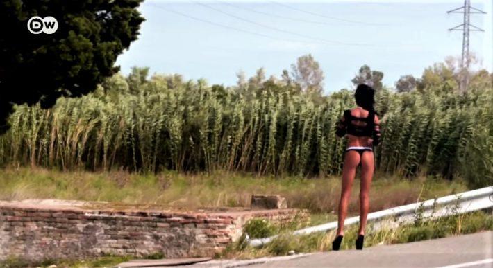 La Jonquera: Το ισπανικό χωριό με τις 1.800 ιερόδουλες που ξεπέρασε και το Άμστερνταμ (Pics)