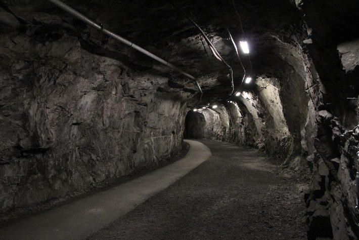 Οι υπόγειες στοές την καταπίνουν μέρα με τη μέρα: Η πόλη που σε λίγα χρόνια θα σταματήσει να υπάρχει (Pics)