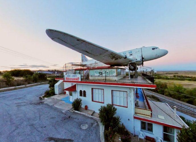 Το τέλος της αθωότητας: Η πιο θρυλική καφετέρια της Ελλάδας, έγινε οίκος ανοχής (Pics)