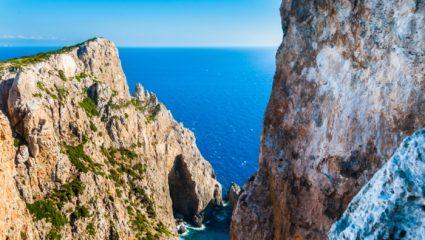 Επίδομα 500 ευρώ και σπίτι: Το ελληνικό νησί που καλεί οικογένειες για να μην ερημώσει