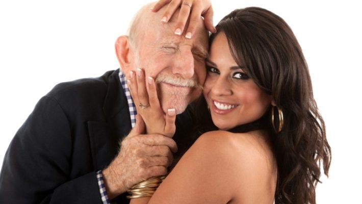 Συλλαβή και άσπρη τρίχα: 10 λέξεις που αν τις χρησιμοποιείς ακούγεσαι γέρος