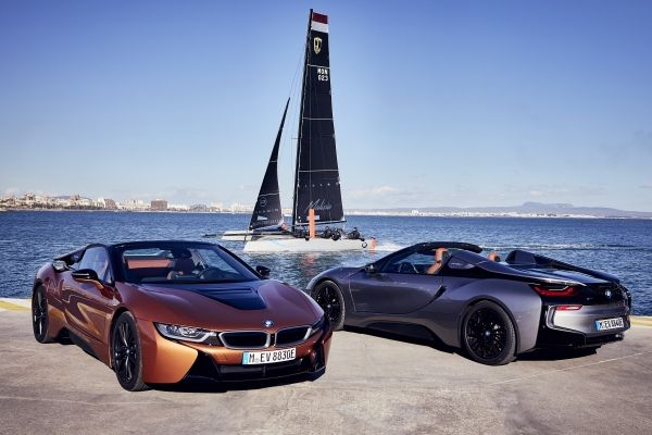 Διαγωνισμός: Θέλεις βόλτα με τη νέα BMW i8 Roadster, παρέα με την Άρια;
