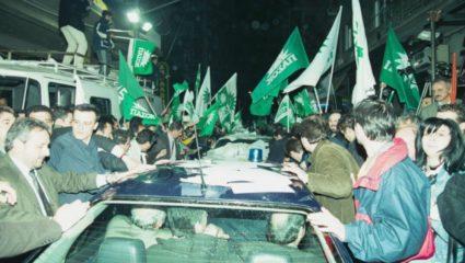 Η μυθολογία μιας νοθείας: Οι ΠΑΣΟΚοψυχες εφεδρείες της μεγάλης ανατροπής στις εκλογές του 2000