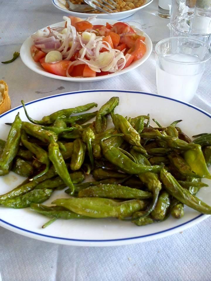Πιπεράκια μπακάλικα: Ο πεντανόστιμος μεζές από τις Σέρρες που οι Αθηναίοι δεν γνωρίζουν