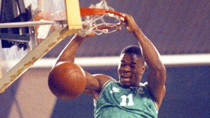 Αντόνιο Ντέιβις: «Κάρφωσε» με την φανέλα του Παναθηναϊκού και «πέταξε» για το NBA