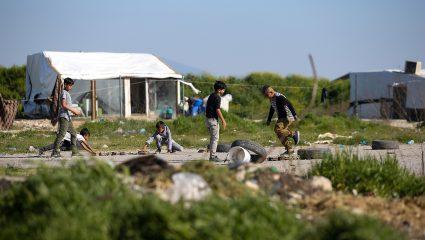 Οι φαβέλες της Αττικής: Οι άγραφοι νόμοι της κοινωνίας των Ρομά