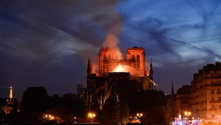 Παναγία των Παρισίων: Εκεί που η μνήμη ήρθε δεύτερη μπροστά στον πλούτο των πλουσίων