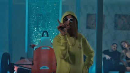 Τι είναι Sin boy, τι είναι Mama και πώς κάνει εκατομμύρια views ένα τραγούδι που δεν αρέσει πουθενά;
