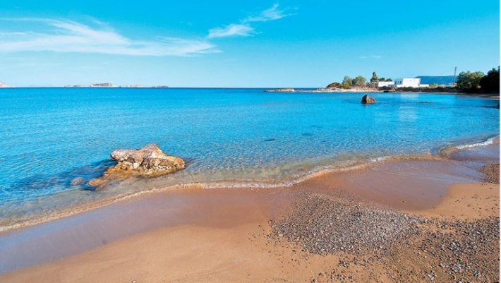 Κίμωλος: Το παρθένο νησί με τα διάφανα νερά και τις άδειες παραλίες