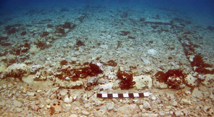 4 μέτρα κάτω από τη θάλασσα: Η πιο αρχαία υποβρύχια πόλη στον κόσμο βρίσκεται στην Ελλάδα (Pics)