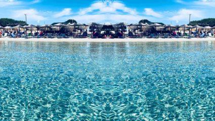 Άδειες παραλίες, τιρκουάζ νερά: Το ελληνικό νησάκι-όνειρο που ευτυχώς δεν έγινε ακόμα Μύκονος (Pics)