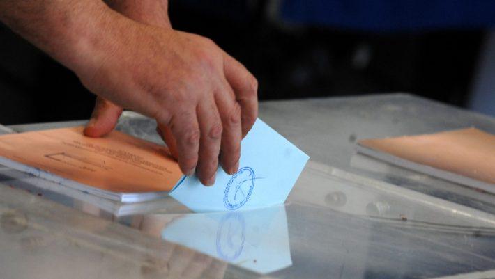 5 cult υποψήφιοι των εκλογών που το χέρι σου πάει ΜΟΝΟ ΤΟΥ να τους ψηφίσεις!