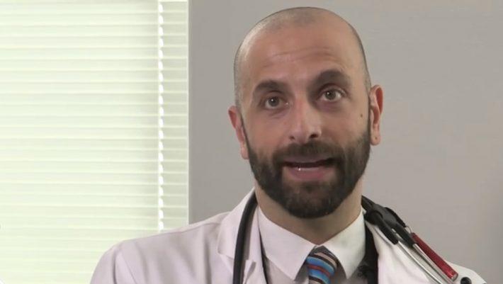 Δημήτρης Δασκαλάκης: Ο ομογενής που θα «σβήσει» τον HIV από τη Νέα Υόρκη