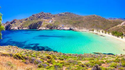 Επιτέλους γίνεται η αρχή! Η πρώτη ελληνική παραλία όπου απαγορεύεται το κάπνισμα