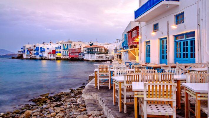 «Στη Μύκονο είσαι φίλε»: Τι μπορείς να φας με 50 ευρώ στην τσέπη στο Νησί των Ανέμων