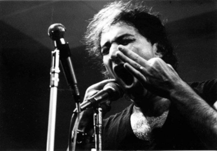 Νεκρός στα 34: Ο σπουδαιότερος Έλληνας τραγουδιστής που στην Ελλάδα δεν τον ήξερε σχεδόν κανείς