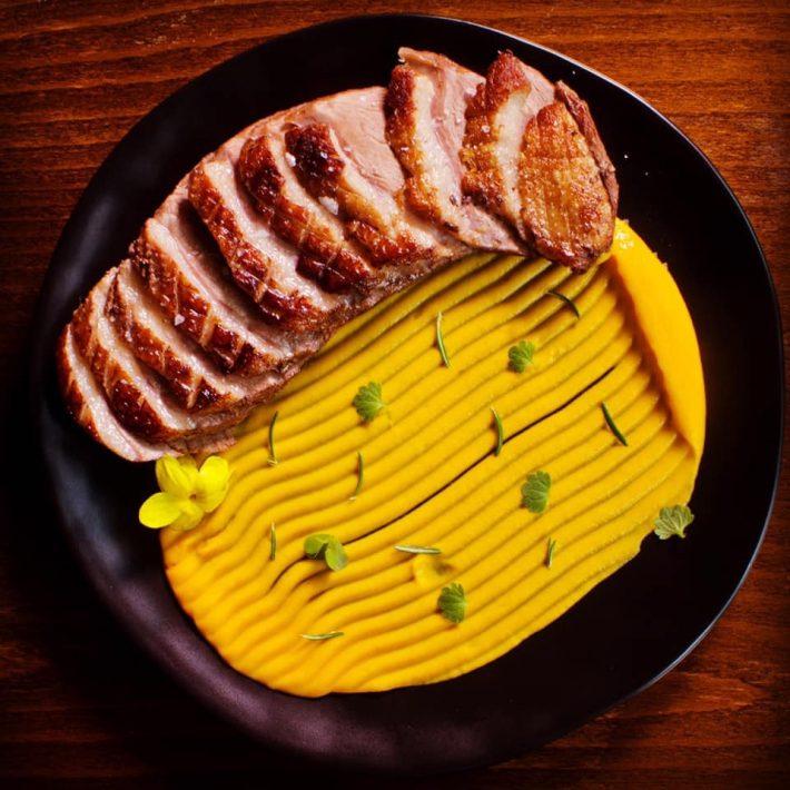 Στην αυλή του Steak Alive θα φας τις καλύτερες μπριζόλες