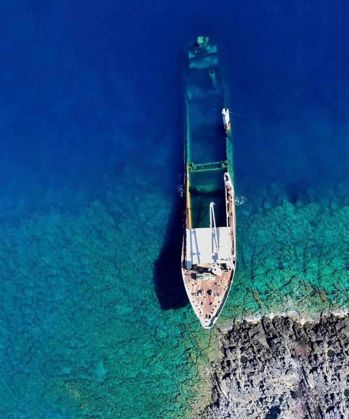 Έριξε τις τιμές και σάρωσε: Το νησί που μάζεψε όλο τον κόσμο φέτος είναι η έκπληξη του καλοκαιριού (Pics)